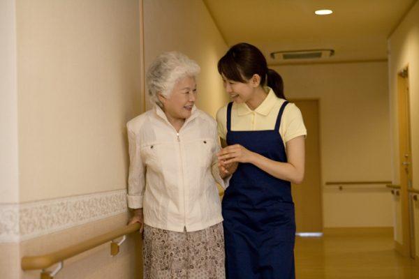 介護、紹介予定派遣正職員求人!特別養護老人ホームでの介護職のお仕事です! イメージ