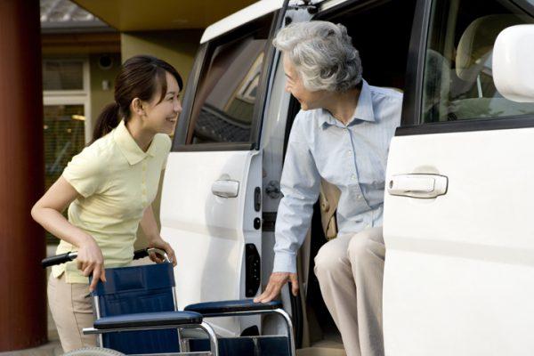 静岡市葵区にある特別養護老人ホームでの介護のお仕事|静岡県静岡市葵区 イメージ